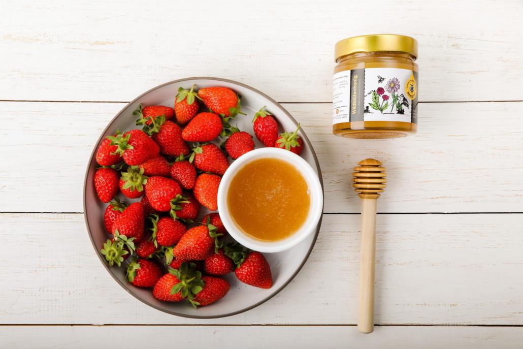Erdbeeren und Honig